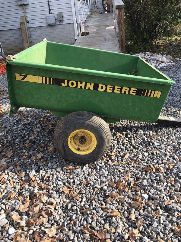 John Deere 7 lawn cart