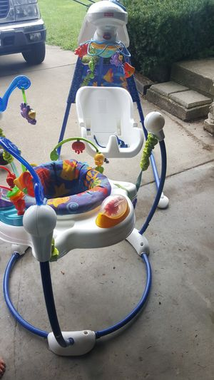 Fisher Price bouncer and swing for Sale in OH, US