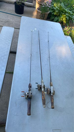 3 fishing poles and reels for Sale in Lyons, IL