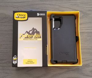 Samsung Galaxy Note 10 Otterbox Defender Case with belt clip holster black for Sale in Santa Clarita, CA