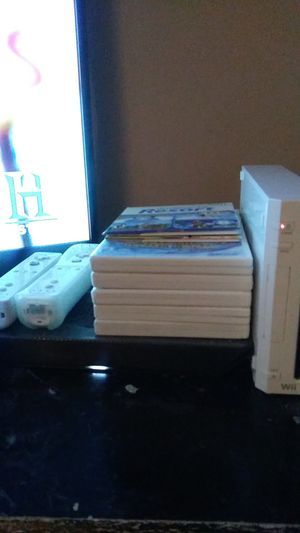 Nintendo Wii white for Sale in Landover, MD