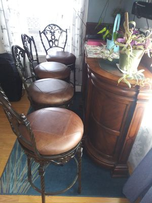 Stools with bar for Sale in Oakland, CA