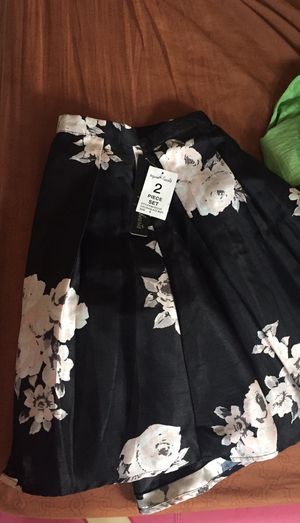 Women clothing almost new size S for Sale in Doral, FL