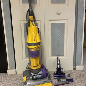 Dyson DC07 Vacuum for Sale in Bel Air, MD