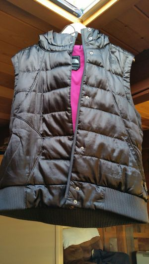 $200 women's black North Face down puffer vest hood XL for Sale in San Jose, CA