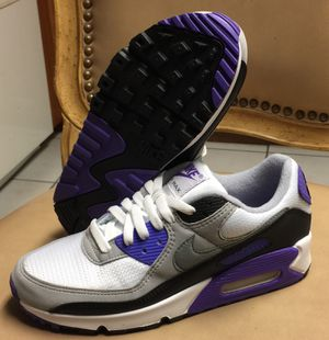 AIR MAX WOMANS SIZE 8.5 $75 for Sale in Poinciana, FL