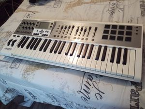 Axiom Air 49 Keyboard for Sale in Palm Harbor, FL