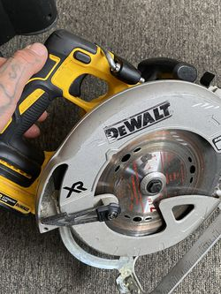 On sale brushless motor dewalt XR circular saw whit brake comes whit small battery $$$190 dollars firm price in oakland for Sale in Oakland,  CA
