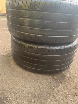 2 tires for Sale in Chicago, IL