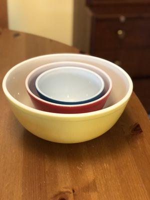 Vintage Pyrex nesting bowls for Sale in Williamsburg, VA