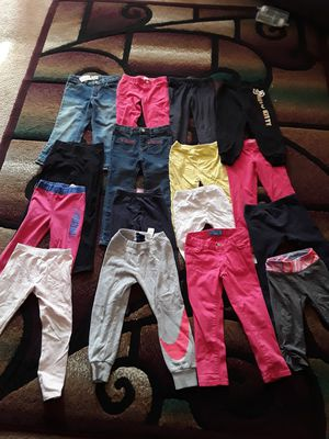 Girls pants size 4t for Sale in Los Angeles, CA