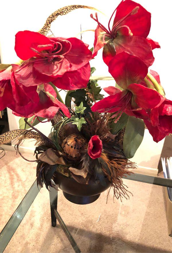 Fake flowers. Good little plant set.