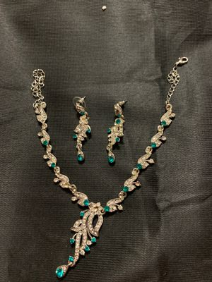 Diamond necklace in two colors with earrings for Sale in Glendale, AZ