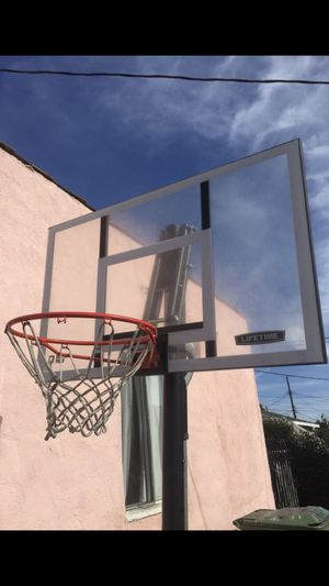 Basketball Hoop for Sale in View Park-Windsor Hills, CA