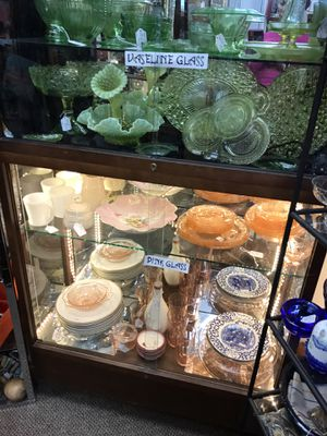Beautiful display cabinet for Sale in Livermore, CA