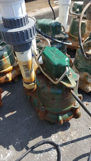 Zoeller sump water pumps have 7 of them for Sale in Bell Gardens, CA