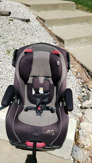 Alpha Omega convertible 5 point car seat. for Sale in Sioux City, IA