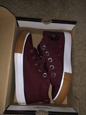 Burgundy converse size 13c for Sale in Lithonia, GA