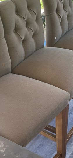 """Tall Bar Stools Beige Seat Night 36"""" Seat To Floor for Sale in Madera,  CA"""