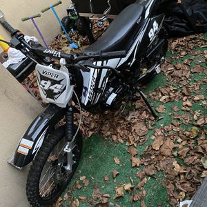 Slightly New 150cc Dirtbike for Sale in Norcross, GA