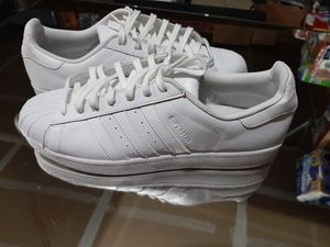 NEW MEN'S ADIDAS TENNIS SHOES SIZE 12 $70 for Sale in Wichita, KS