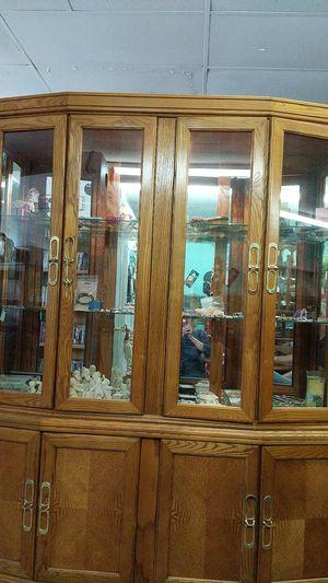 Lighted Oak China Cabinet for Sale in Hernando, FL