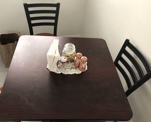 5 piece Bistro table and chairs for Sale in San Francisco, CA