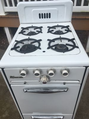 Wincroft gas stove for Sale in Dover, PA