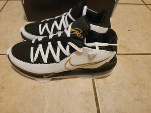 Nike lebron 17 low EP SIZE 8.5 men. Size 10 women for Sale in Baytown, TX