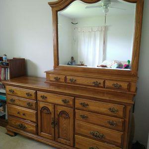 Bedroom Set/ Solid Wood/ Dresser Set/ Nightstand Tables/ for Sale in Apopka, FL