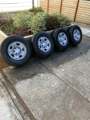 Hankook Dynapro HT tires 245/75/r16 and wheels for Sale in Seattle, WA