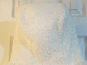 Vera Wang White Wedding Dress for Sale in Nashville, TN