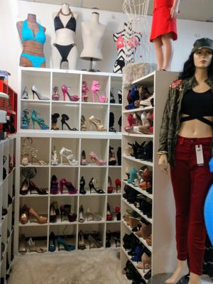 $3 each all ladies women's shoes heels flats wedges for Sale in Hyattsville, MD