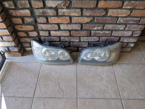 Headlights/assembly for 2002 Toyota Highlander for Sale in Riverside, CA