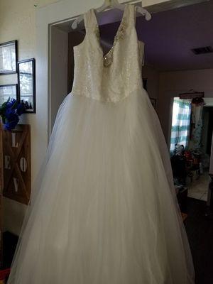 Oleg Cassini Wedding Dress for Sale in St. Petersburg, FL
