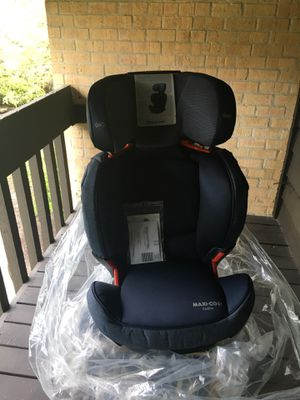 Selling a new Maxi cosi Rodifix Booster car seat. Perfect and safe seat for kids for Sale in Willowbrook, IL