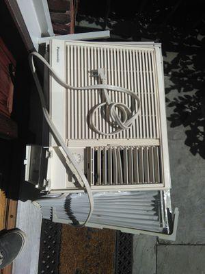 8k ? BTU home air conditioner window unit for Sale in Arlington, MA