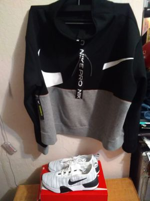 NIKE SET (WOMANS) for Sale in Stockton, CA