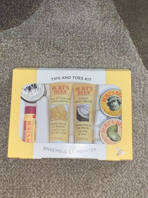 BRAND NEW Burt's Bees Tips and Toes Kit for Sale in Chino, CA