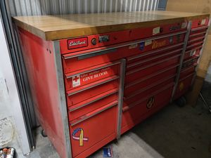 Snap On tool box with countertop for Sale in Baltimore, MD