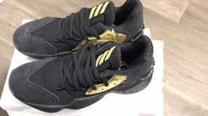 Adidas James Harden Vol. 4 Black / Gold Size: M9 for Sale in Union City, CA