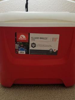 IGLOO Island Breeze Cooler Box for Sale in Aloha,  OR