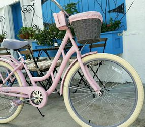 """NEW! 26"""" Woman's Cruiser Bike. Single Speed. Rider Height 5'2"""" - 5'11"""". PRICE IS FIRM! for Sale in Miami,  FL"""