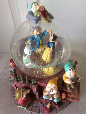 Snow White 7Dwarfs Disney Snow globe/Music Box for Sale in Aurora, OH