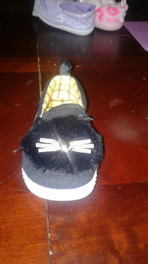 Cute baby girl cat shoes for Sale in Belton, SC