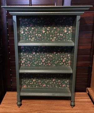 Small shelf for Sale in Joint Base Lewis-McChord, WA