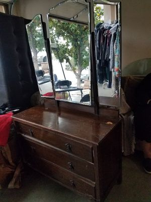 Antique 3 drawer dresser with mirror. Real wood for Sale in Alta Loma, CA