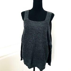 Nectar Clothing Grey Cold Shoulder Gray Sweater Size M for Sale in Corona, CA