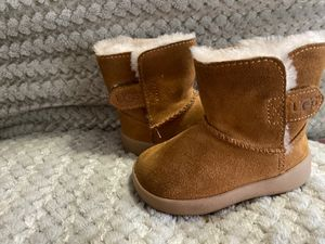 Baby Uggs for Sale in Chicago, IL