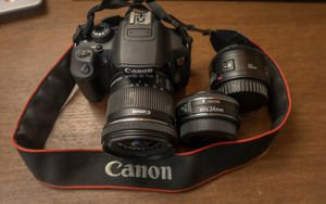 Camera canon T5i with 3 lens for Sale in Newark, NJ